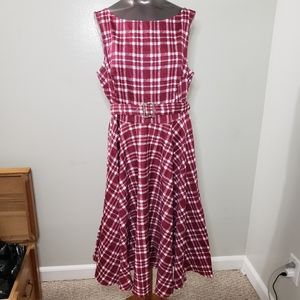 Stretchy xl plaid dress with belt